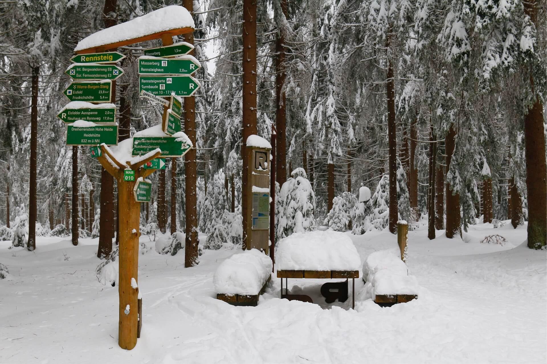 Rennsteig im Winter im Thüringer Wald