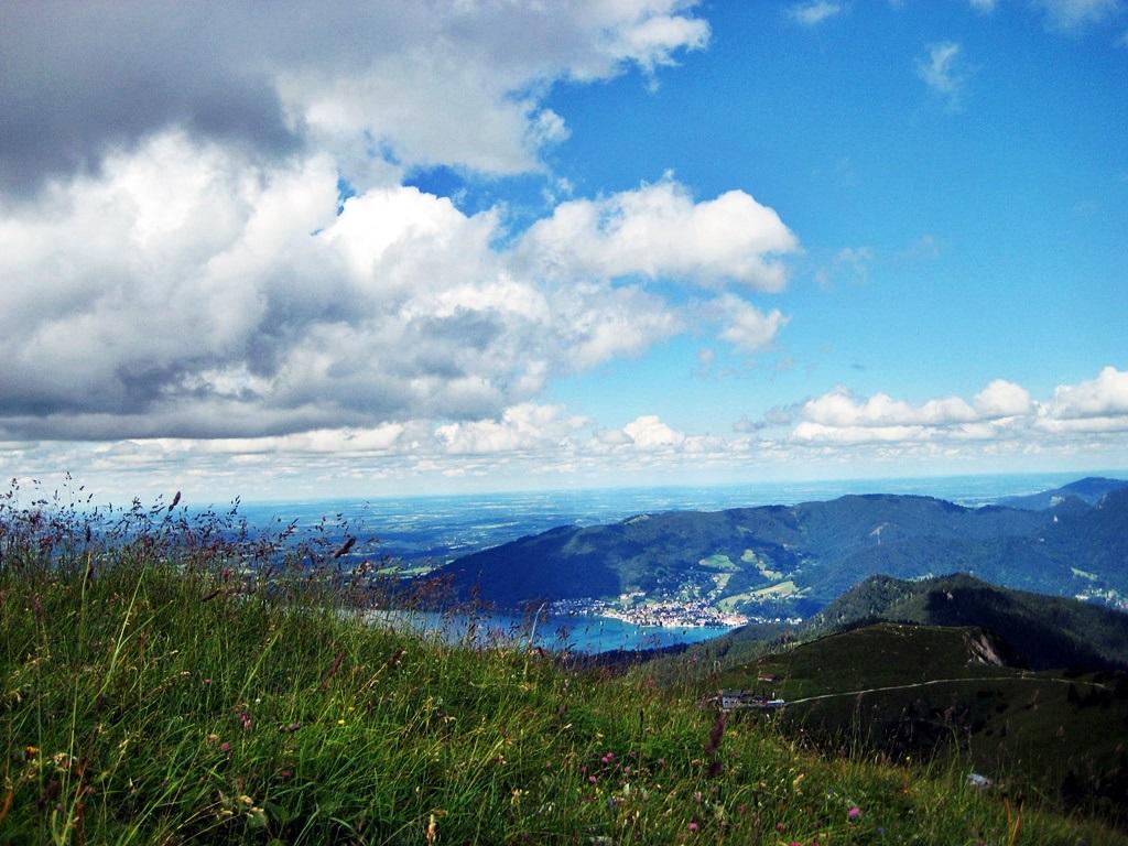 Wandern im Frühling - Wanderung auf den Hirschberg