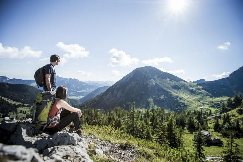 Wandern im Frühling - Gipfeltraumtour Baumgartenschneid