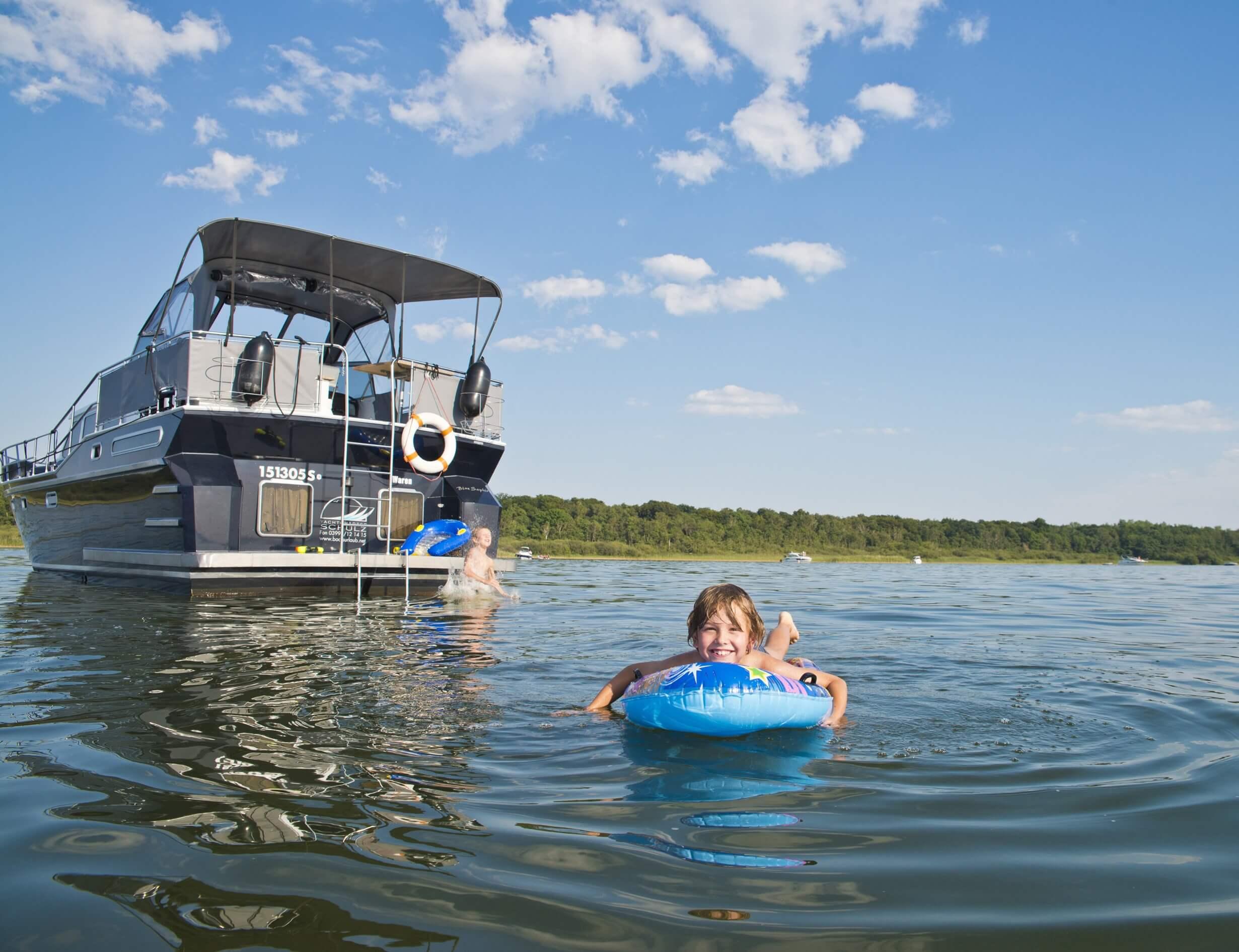 Mini-Abenteuer - Miete dir ein Hausboot