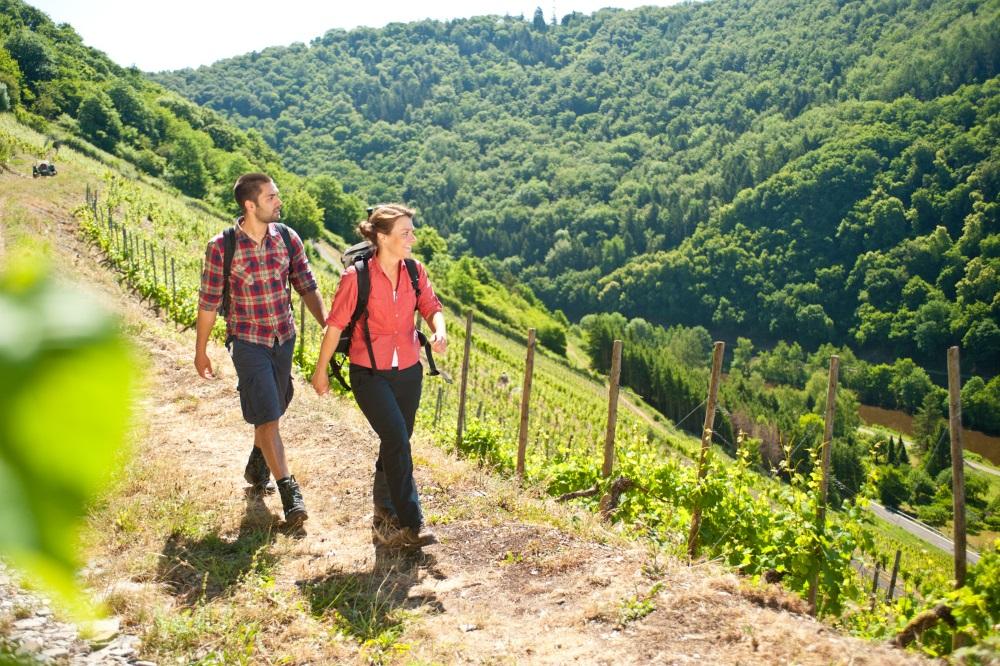 Wandern im Frühling - Lahnwanderweg