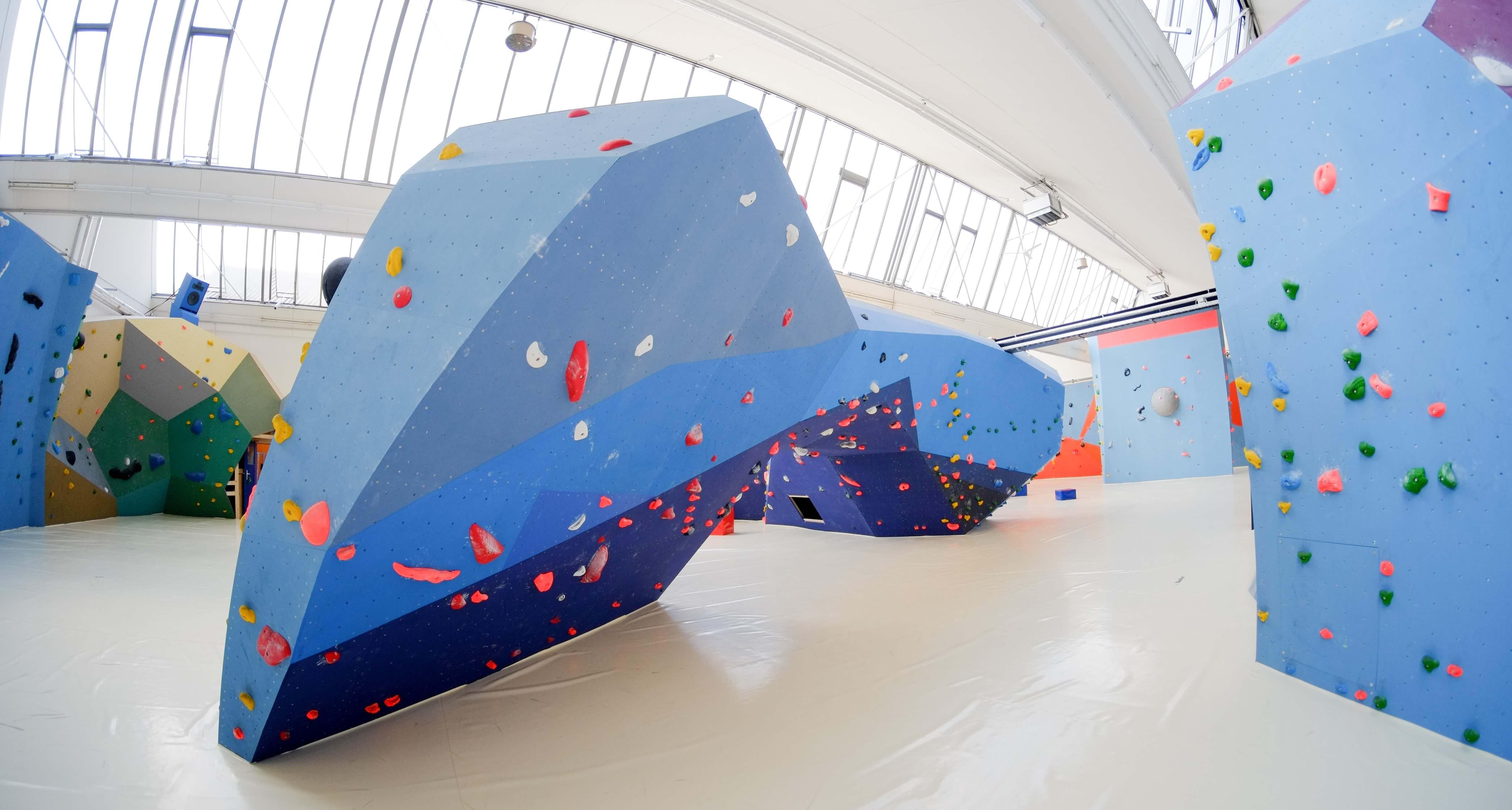 Top Boulderhalle - Boulderhalle Boulderplanet Köln
