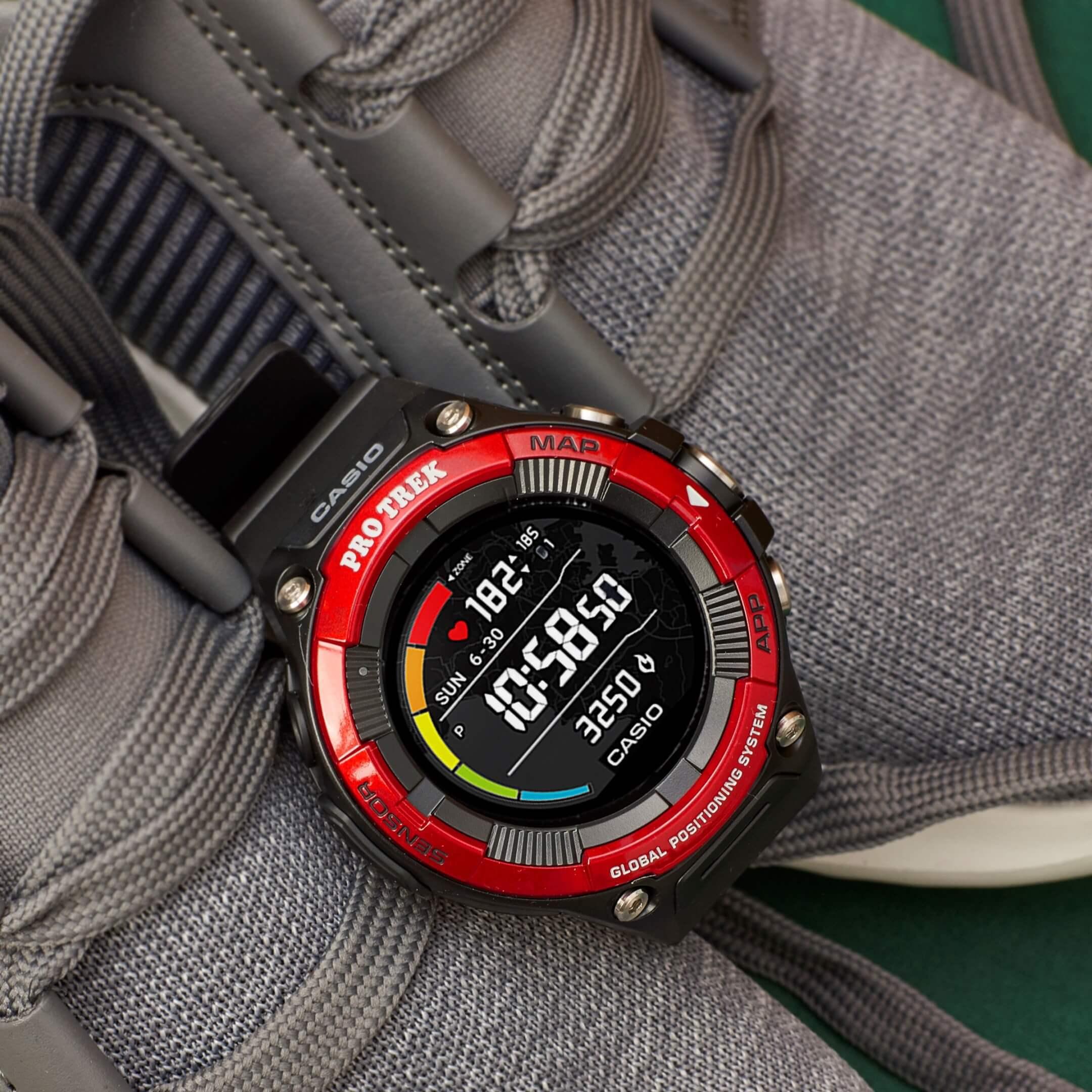 Casio Pro Trek Smartwatch WSD F21HR