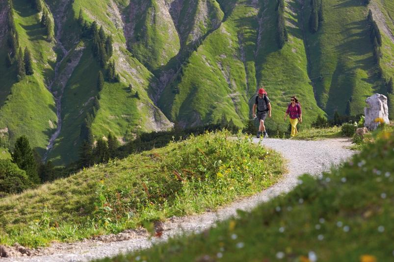 Wandern im Frühling - Min Weag, Etappe 28, Vorarlberg