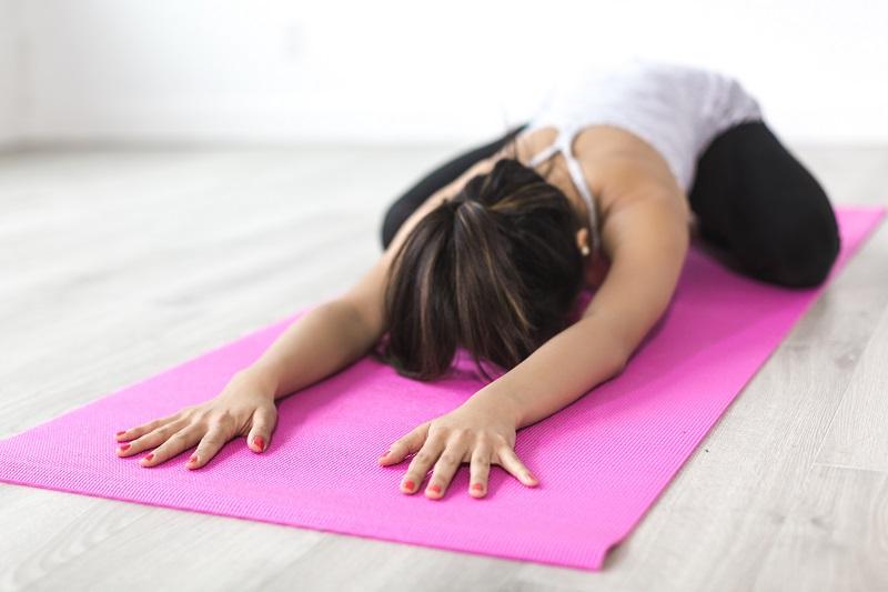 Yoga zu Hause - Kindshaltung