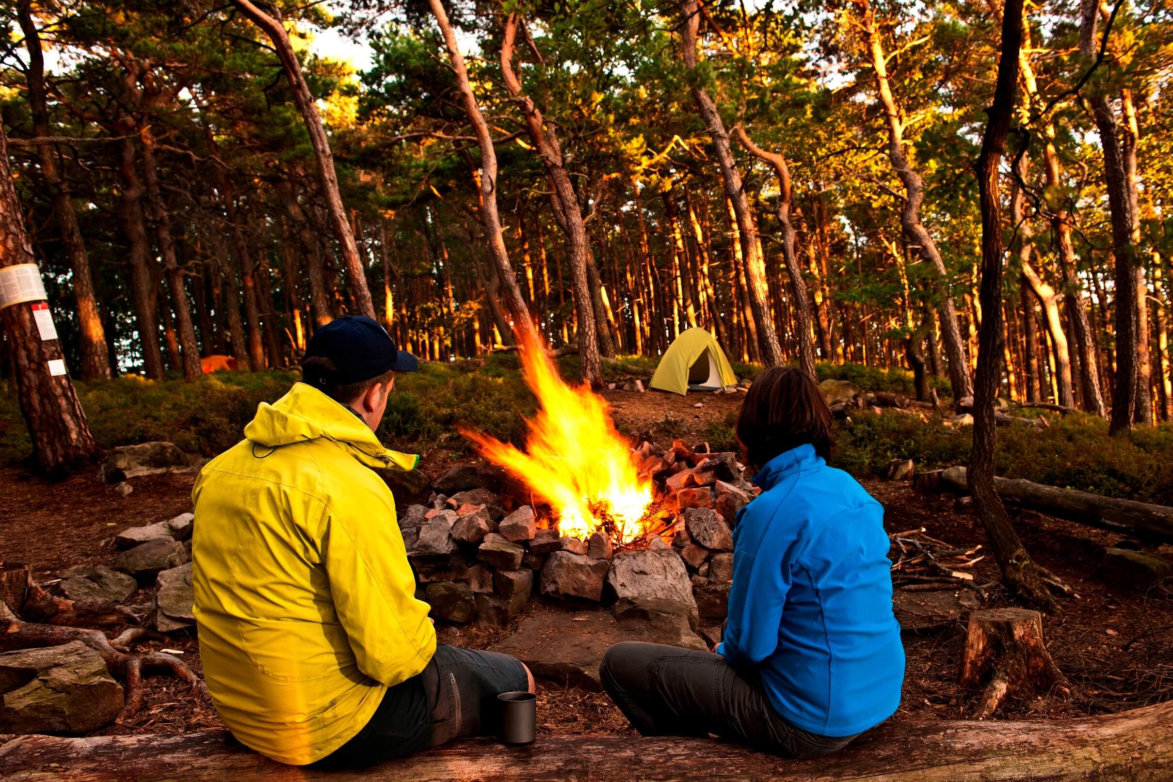 Lagerfeuer beim Trekkingcamp in der Pfalz