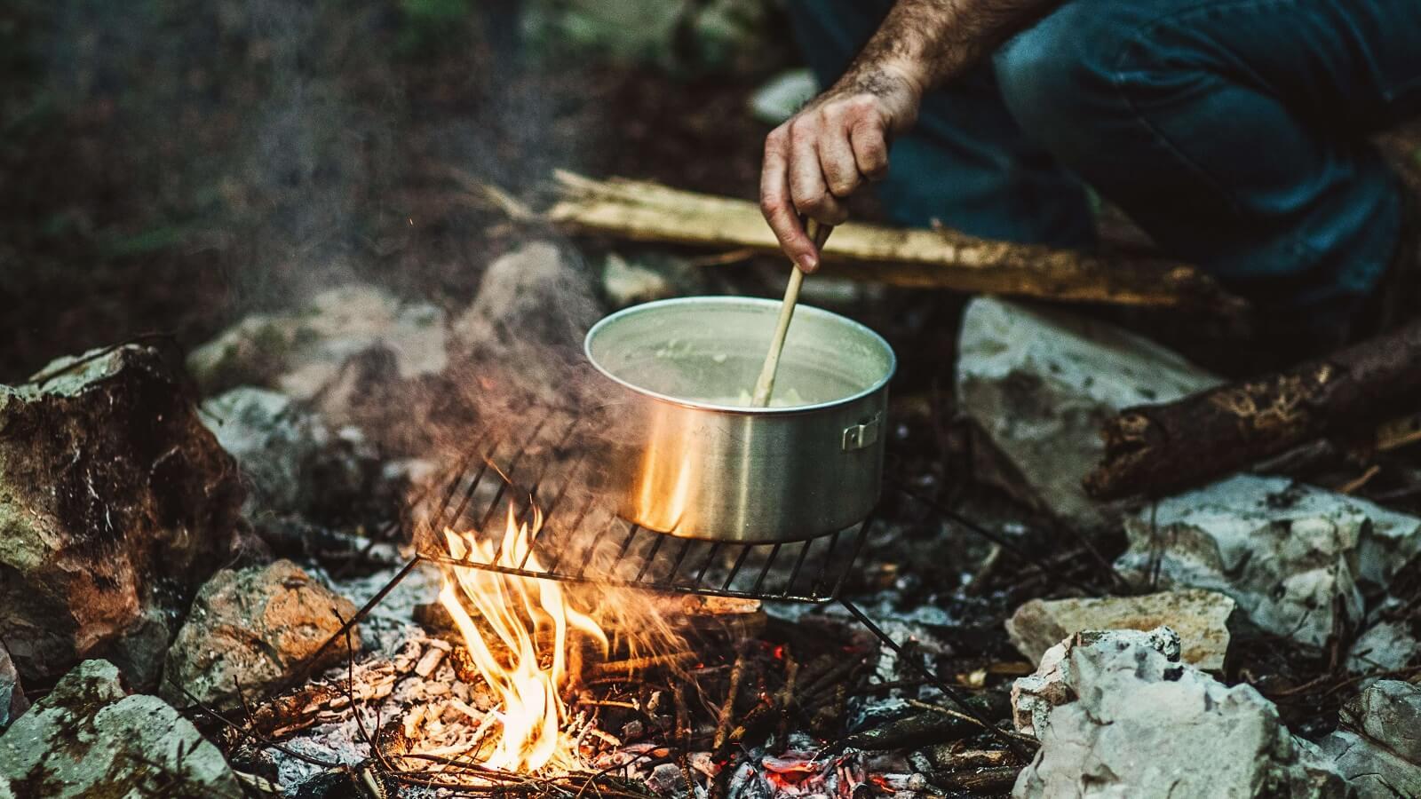 Campingküche: Tipps und Rezepte von Bloggern für draußen
