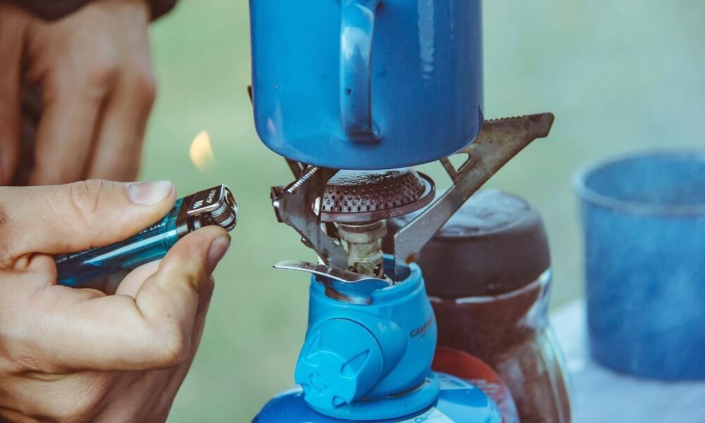 Ausrüstung für die Campingküche